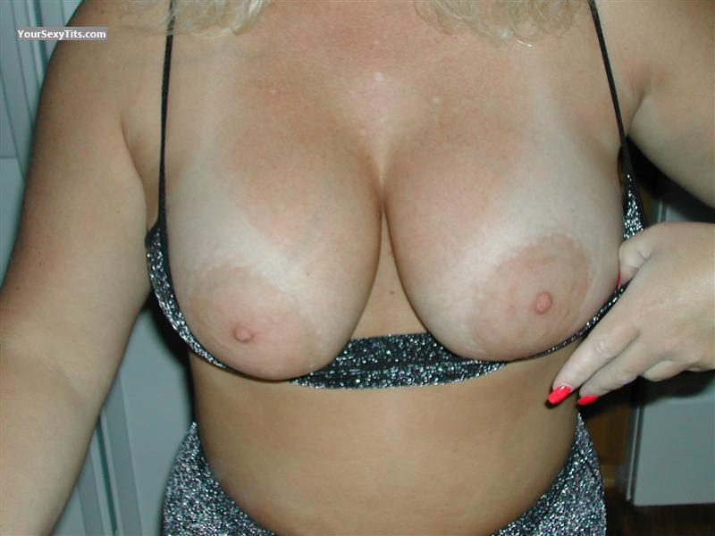 Tit Flash: Girlfriend's Tanlined Very Big Tits - Leigh from United States